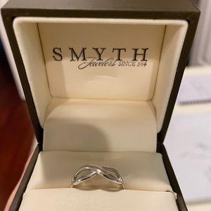 NEW Smyth silver infinity ring size 6